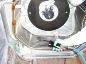 熱交換器を高圧洗浄及び高圧下ですすぎ